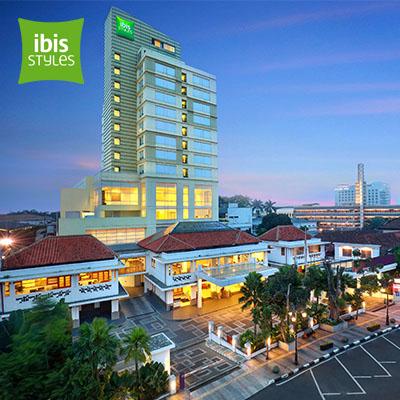 ibis Styles Bandung Braga   Save 43% •  Rp 399,500